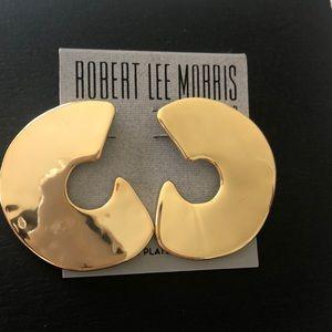 NWT Robert Lee Morris Post